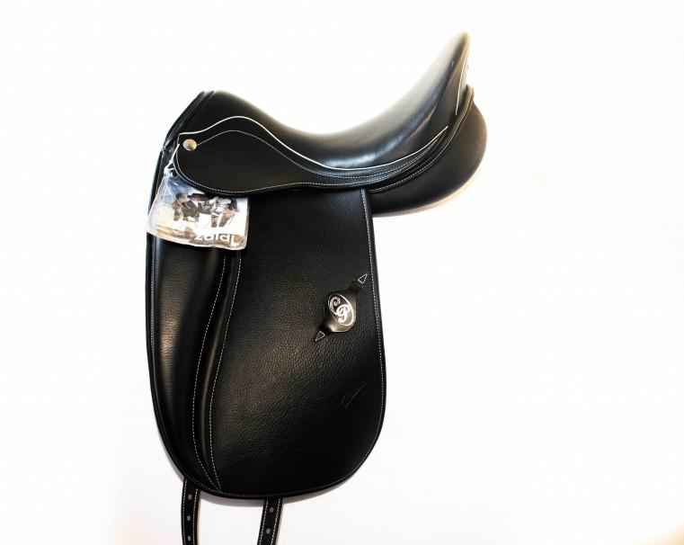 Dressage saddle Millenium